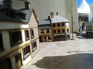 Les rues de ce petit village alsacien étaient biens calmes en cette torpeur estivale. Les troupes de Bolt Action en profitaient d'une sieste bien ludique.