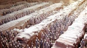 Fosse n°1 contenant quelques milliers de statues